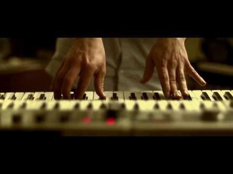 Bombee - Momo (official video)