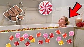 CANDY BUBBLE BATH HOUSE SURPRISE!