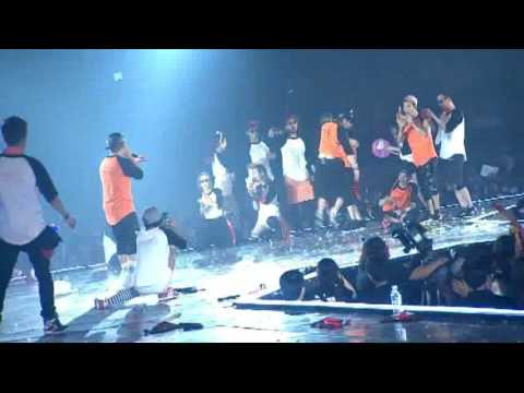 Another Dongwan vs Hyesung dance battle