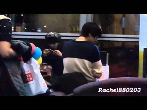 [Fancam]130114 Super Junior in KLIA Waiting Room(Kyuhyun & Ryeowook Focused)