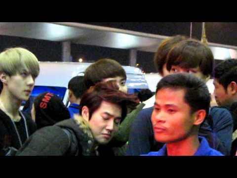 [Fancam-HD] 121126  EXO-K @ Suvarnabhumi Airport Thailand  By PEONY