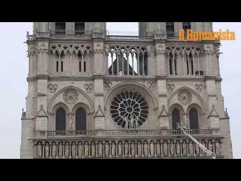VIDEO - Parigi, la cattedrale di Notre Dame il giorno dopo l'incendio