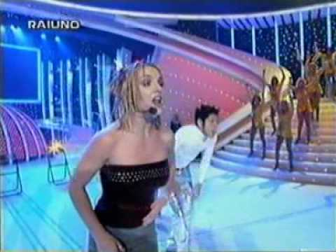 Britney Spears- (You Drive Me) Crazy [Live from Italy]