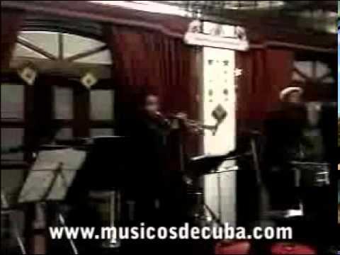 Orquesta Areito sonando musica cubana y colombiana bailable