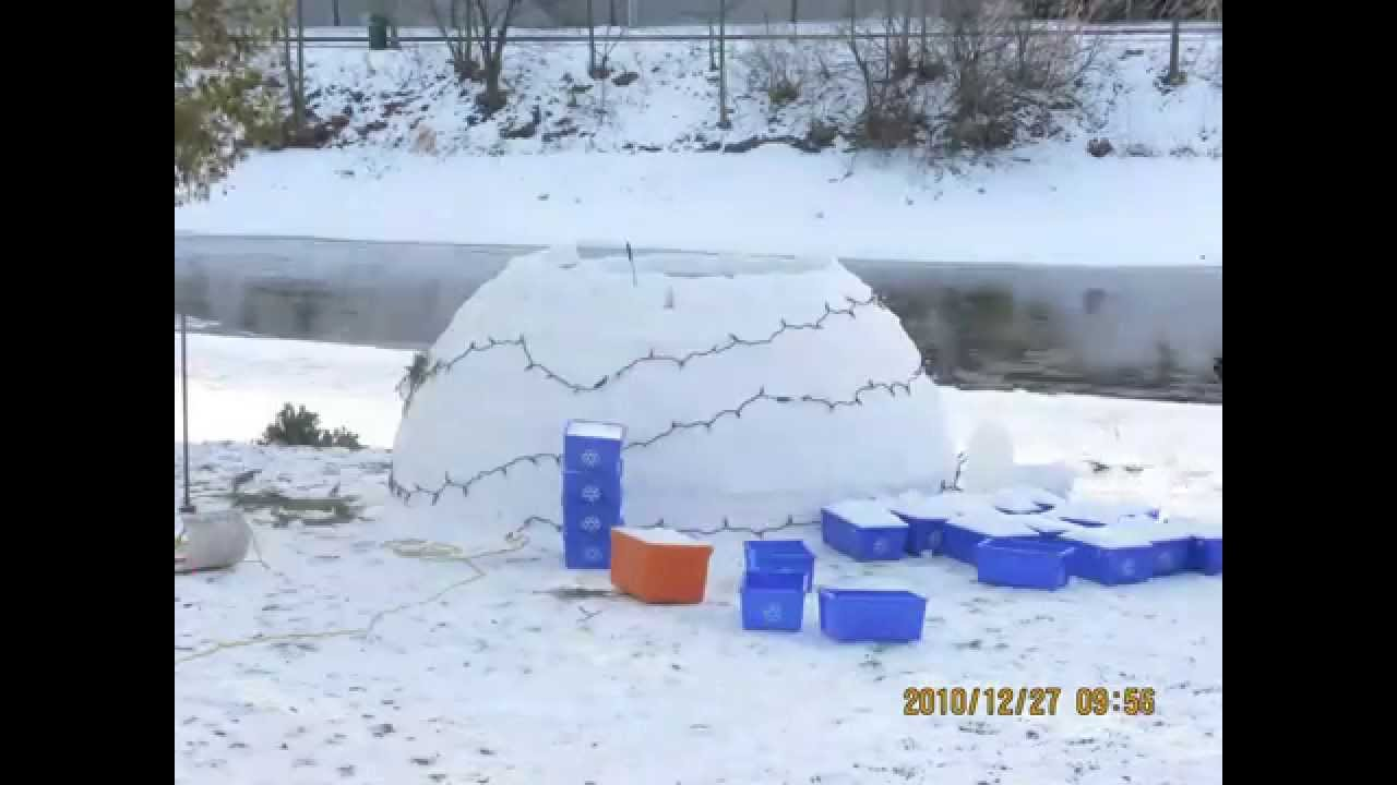 Igloo Building Time Lapse