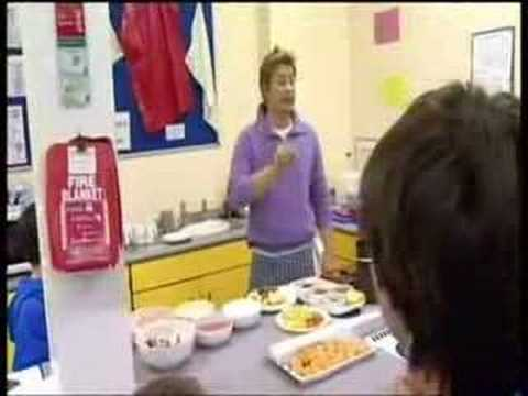 """jamie's school dinners"" clip part1/2"
