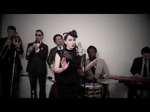Baixar Don't You Worry Child (Vintage 'Great Gatsby' Style Swedish House Mafia Cover)