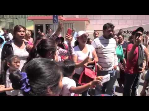 Mirreyes intentan atropellar a padres y menores durante marcha en Chilpancingo