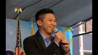 Ca nhạc sĩ Việt Khang tại Hội Chợ GX Saint Columba