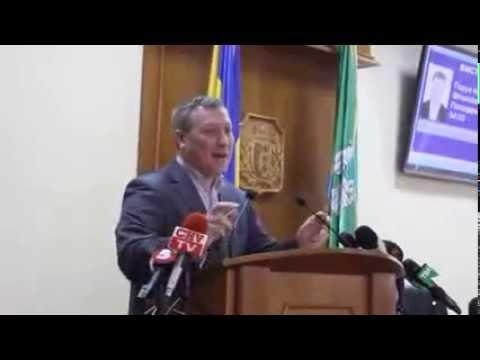 Депутат Назар Горук на сесії Чернівецької облради 11 квітня