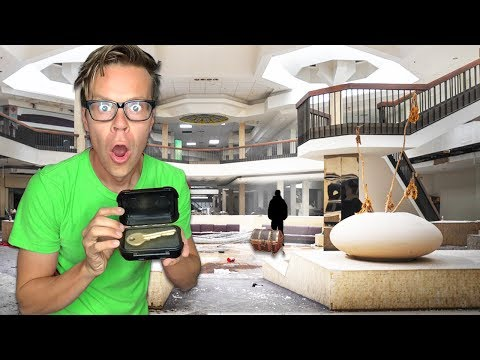 Treasure Chest Escape Room in Real Life inside Giant Mall (Hidden clues and mysterious riddles)