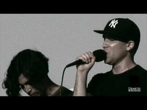 Xiu Xiu & Deerhoof playing Joy Division's Unknown Pleasures live in 2010