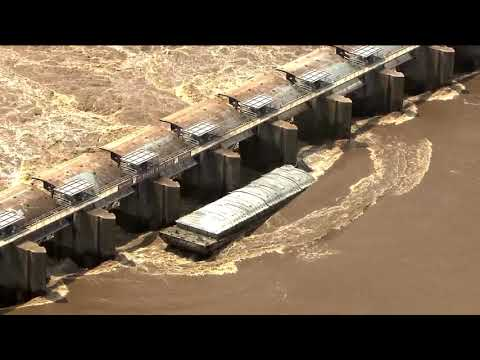 Barges obliterated in Webbers Falls, Oklahoma