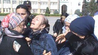 Родственники пропавших вышли на центральную площадь Махачкалы