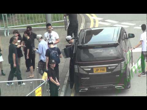 EXO(엑소) - Suho(수호)、世勛Sehun(세훈) Leave Hong Kong Airport 20150507