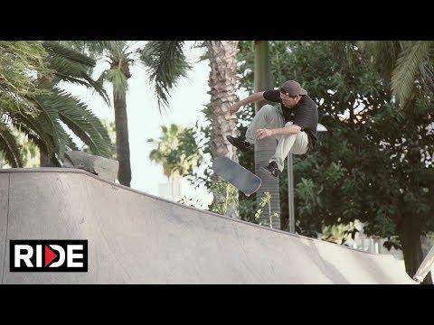 Video NOMAD SKATEBOARDS Complete skateboard CHROME DYE 7.875 Silver