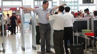 FBNC - Từ 20 - 25/5: Hành khách đi máy bay phải cởi giày, áo khoác để soi chiếu