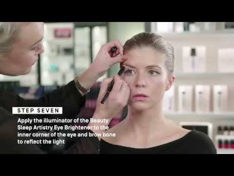 Mecca Masterclass: The Secret to Perfect Winged Eye-Liner