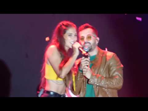 AMANTES - Greeicy ft. Mike Bahía (En Vivo) Lima - Perú 18.02.18
