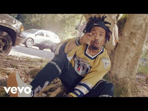 EARTHGANG - Momma Told Me ft. J.I.D