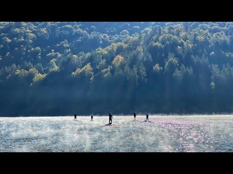 """Магла """"лази"""" по површината на водата - волшебно глетка на Беровското Езеро"""