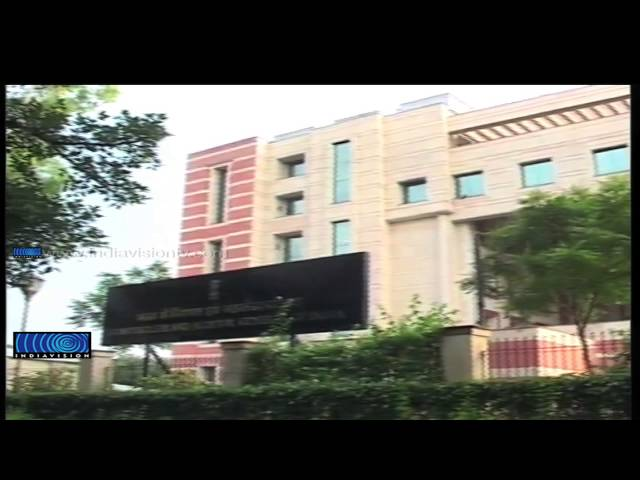 Kejriwal keeps his power promise; 50 tariff cut for  upto 400 units in Delhi