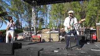 """Weezer performing """"Across the Sea"""" on an Island in the Bahamas - Weezer Cruise 2014"""