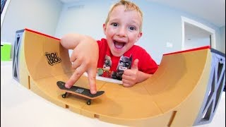 FATHER & SON FINGERBOARD TIME / Tech Deck Halfpipe