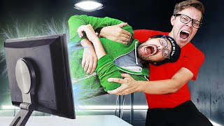 STOP THE EVENT - Best Friend is Trapped in a Computer Game