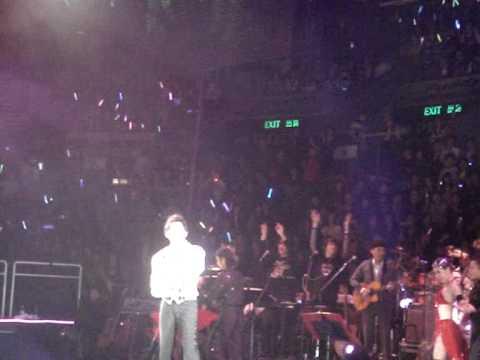 12.12.07 周杰倫07演唱會香港站-《迷迭香》外婆伴舞