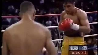 "Oscar De La Hoya Vs Hector ""Macho"" Camacho Highlights"