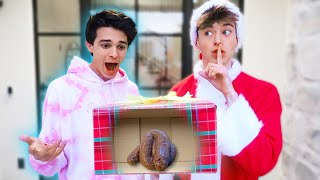 PRANKING MY FRIENDS WITH TERRIBLE GIFTS!!