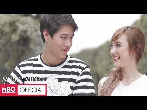 อาจเป็นเพราะ (Because of you) - Ploychompoo (Jannine W) [Official MV]