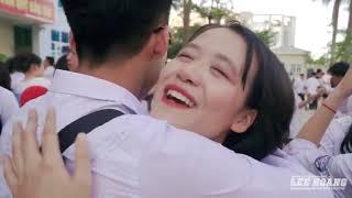 Em trai Sơn Tùng - hotboy Nguyễn Việt Hoàng ôm toàn nữ sinh đẹp cả trường ngày chia tay cuối cấp