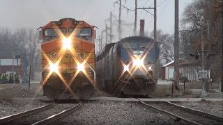 The most EPIC train race you'll ever see! Amtrak vs. BNSF in Ottumwa, IA 12/9/14