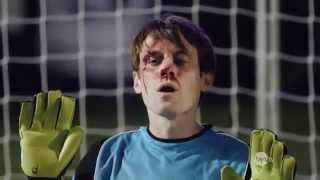Hài bóng đá - Thủ môn ăn đủ 5 quả sút phạt đền vào mặt