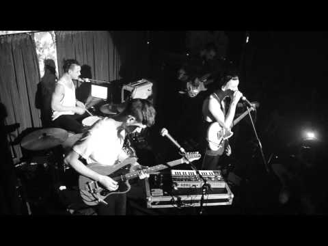THE 1975 - SHE WAY OUT (LIVE)