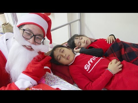 Kids Go to school ! Santa Claus's Amazing Gifts |  Merry Christmas Songs  For Children