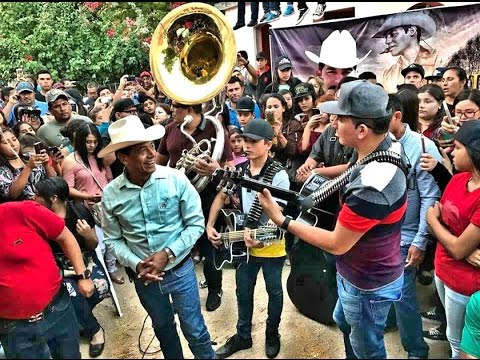 Los Plebes Del Rancho 2do Aniversario Luctuoso De Ariel Camacho (cantandole en su tumba)