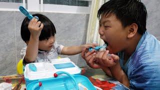 Cậu Bé Bị Sâu Răng ❤ Tin Siêu Còi Làm Bác Sĩ Khám Răng Cho Anh Hai, Tập Cho Bé Vệ Sinh Răng Miệng