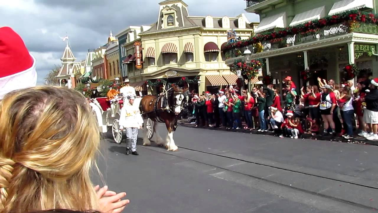Sofia The First DEBUT At ABC Christmas Day Parade Taping ...