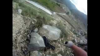 Ramt 4 gange af Taliban gevær ild