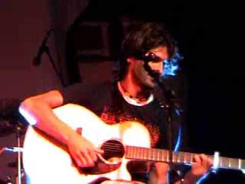 Hugo cantando Sevillanas