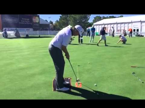 How To Play Like a Professional Golfer