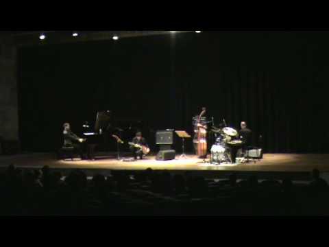 A Mon Amour - Piano Intro - MASP