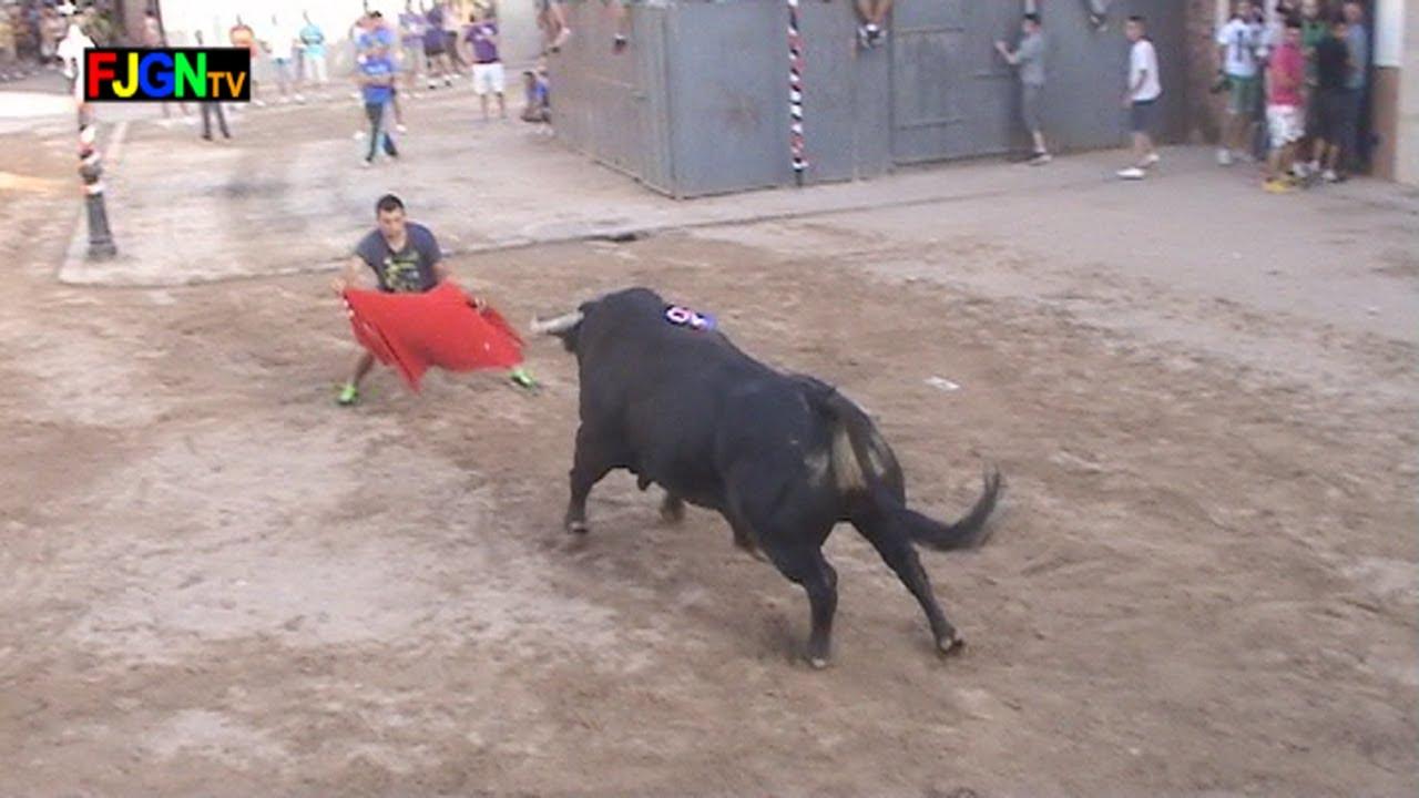 Toro fiestas en Mascarell (Nules) 27/08/2013