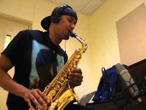 Baixar Chris Brown ft. Nicki Minaj - Love More - Alto Saxophone by charlez360