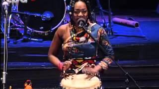 Vivalda Ndula - (LIVE in Angola) Vivalda Dula ''Henda Mua Ngola''