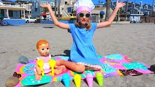 Polina Playing & Learning Colors with Sand Molds Top Video By Super Polina