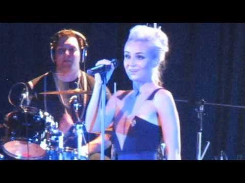 Полина Гагарина - Помню [live] in Yekaterinburg (28.09.13) [3]